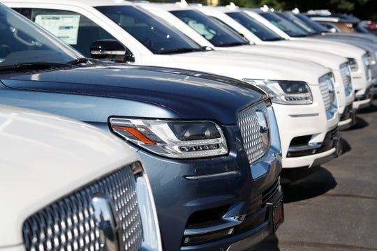 Detroit automakers